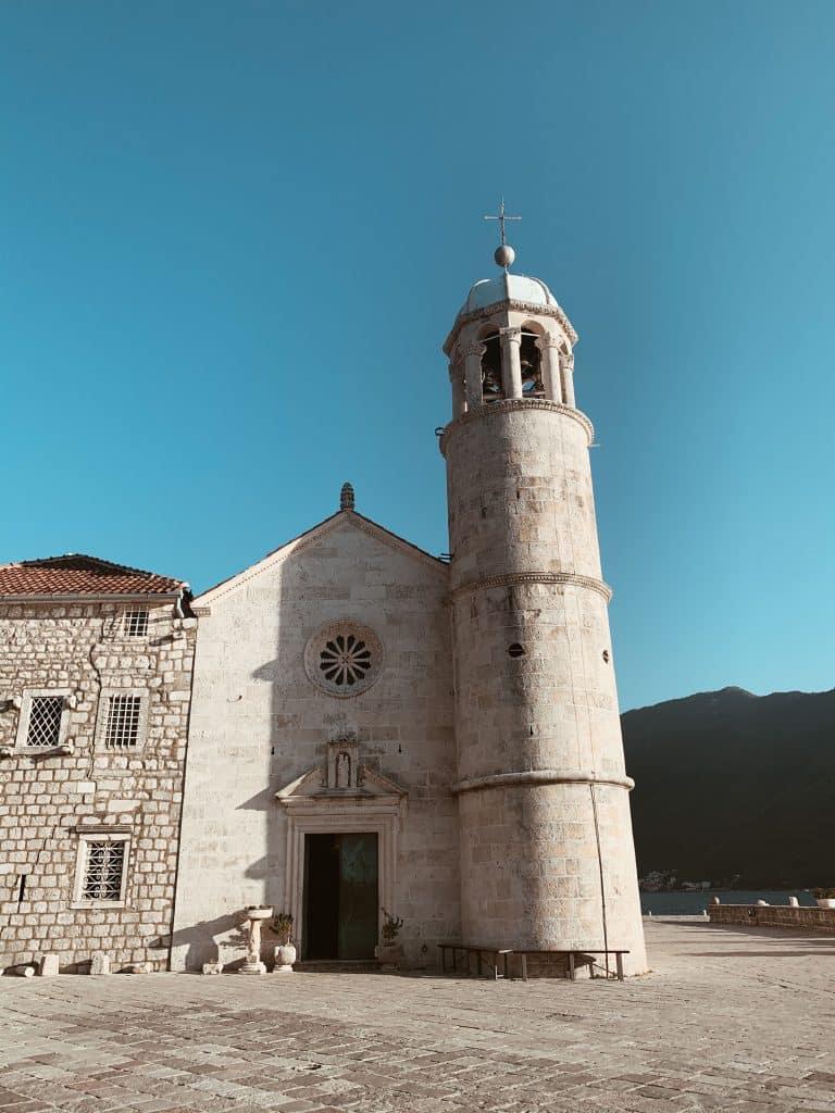 BIld på Our Lady of the Rocks utanför Perast, Montenegro