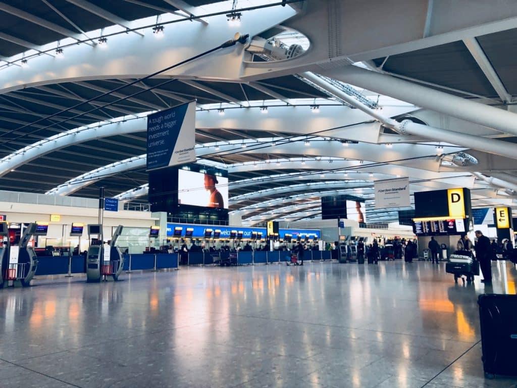 Terminalen på en flygplats, besök för att bota flygrädsla