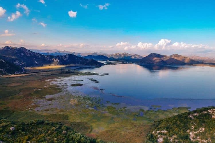 Bergen runt Lake Skadar, Nationalpark i Montenegro