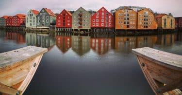 Trondheims sevärdheter träbyggnaderna i bakkalandet
